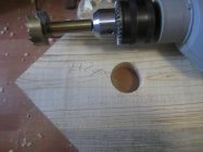 Как сделать отверстие в дереве большого диаметра
